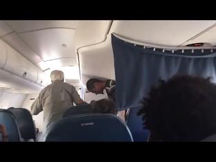 unruly passenger tucson via screengrab