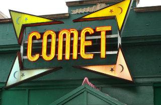 Comet Ping Pong (User DOCLVHUGO at Wikimedia Commons)