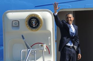 obama-air-force-one via shutterstock