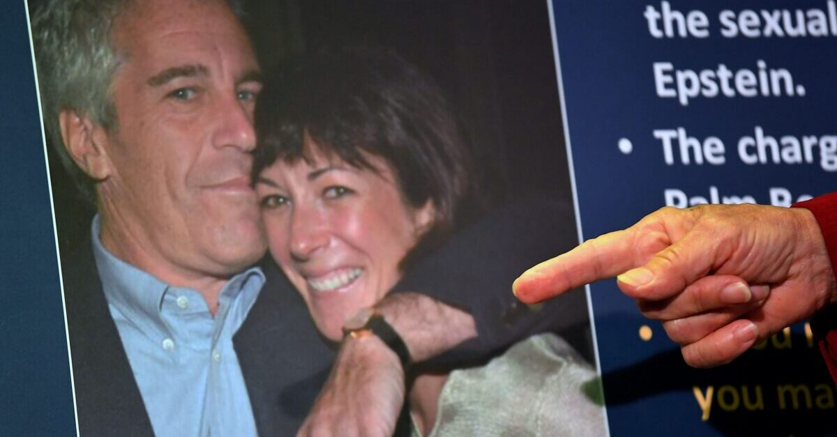 Court Unseals Documents: Bill Clinton Alleged to Have Appeared on Epstein's Island