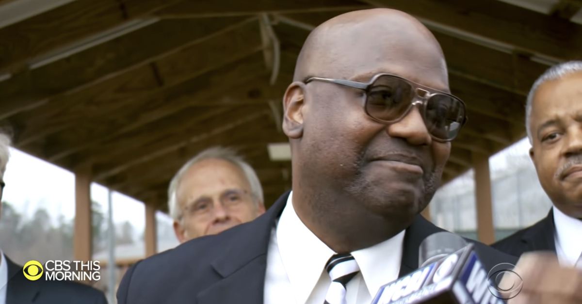 Curtis Flowers leaving prison