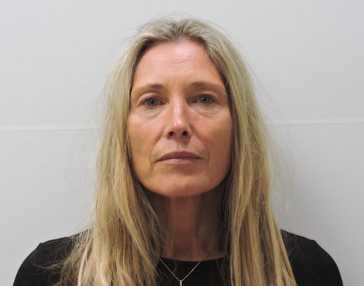 Shoshona Louise Darke appears in a Chaffee County, Colo. sheriff's office mugshot.