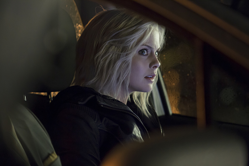 """iZombie -- """"Astroburger"""" -- Image Number: ZMB111A_0076 -- Pictured: Rose McIver as Olivia """"Liv"""" Moore -- Photo: Katie Yu /The CW -- © 2015 The CW Network, LLC. All rights reserved."""
