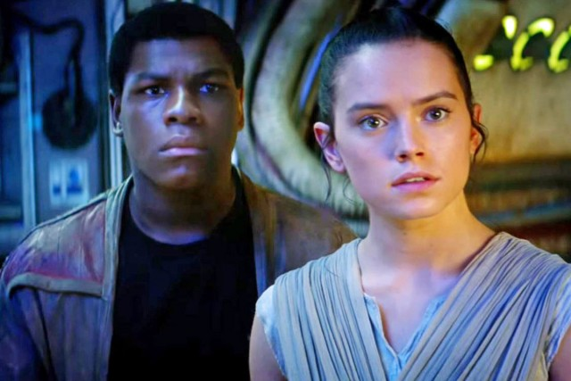 Rey and Finn look dumbfounded together
