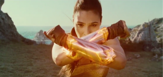 Wonder-Woman-Bracelets-Clip