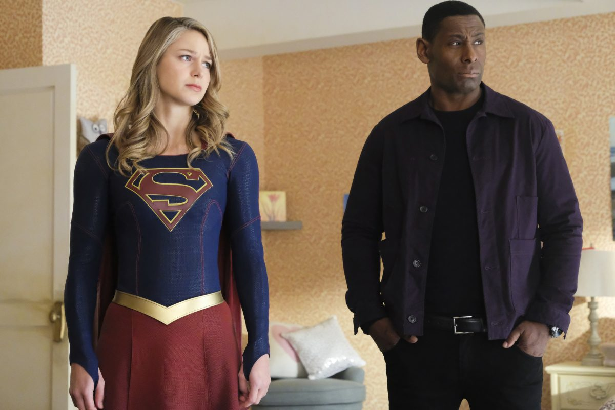 """Supergirl -- """"Shelter From the Storm"""" -- Pictured (L-R): Melissa Benoist as Kata/Supergirl and David Harewood as Hank/J'onn -- © 2018 The CW Network, LLC. All rights reserved."""