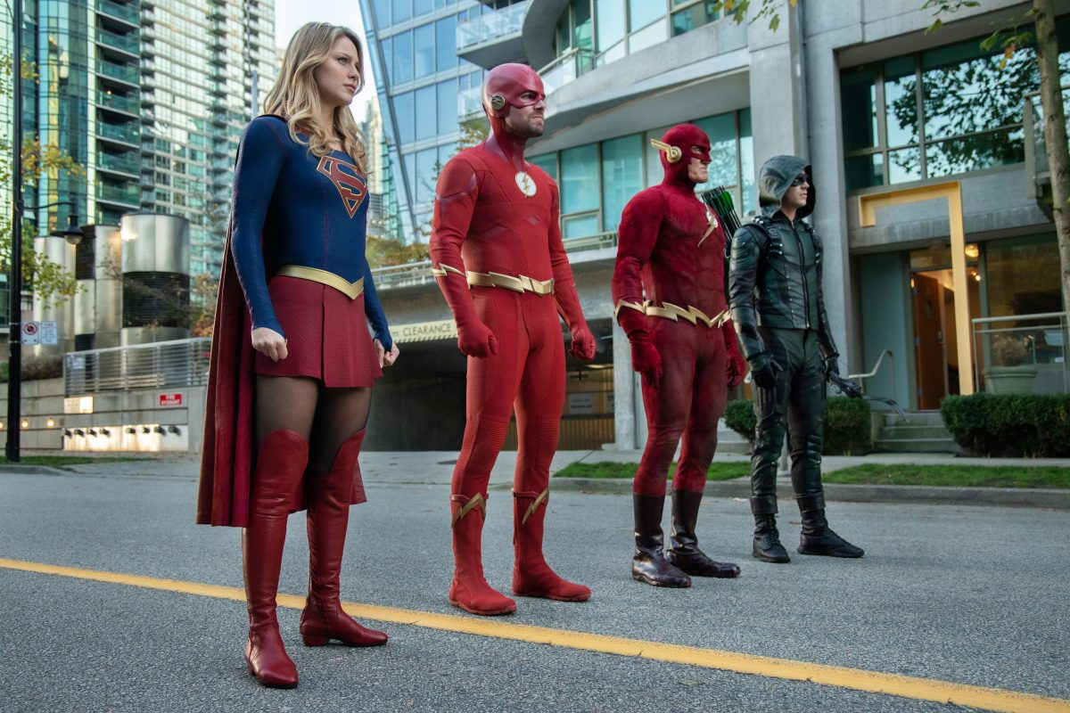 supergirl two flashes green arrow elseworlds cw dctv crossover