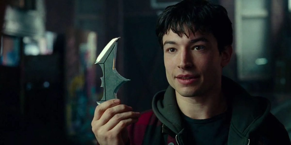 Barry Allen (Ezra Miller) realizes who the Batman is in Justice League.