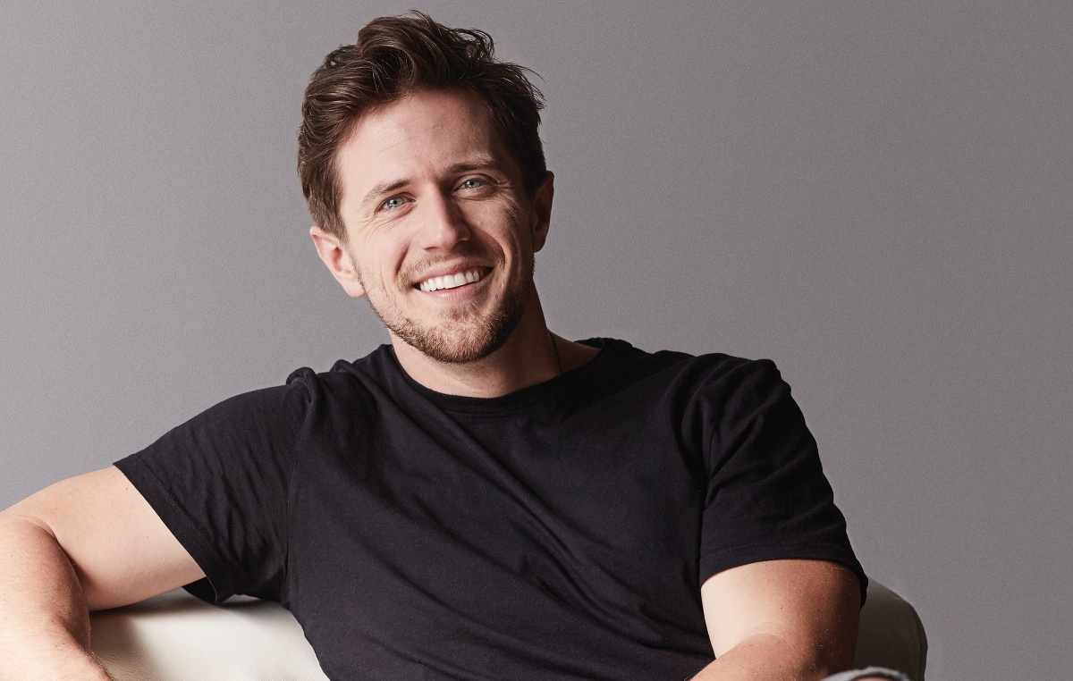 Pierce Brown with Eo - photo credit Joan Allen- cover