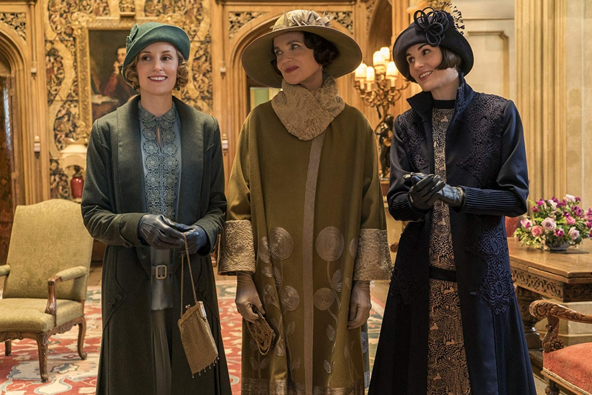 Elizabeth McGovern, Michelle Dockery, and Laura Carmichael in Downton Abbey (2019)