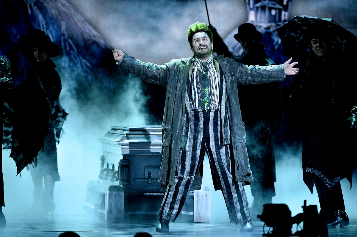 Beetlejuice Closing For The Music Man Okay Boomer The Mary Sue