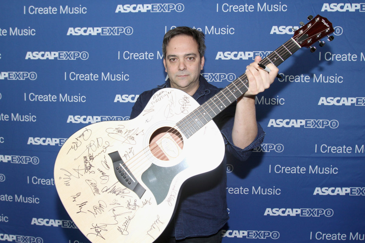 Fountains Of Wayne bassist and songwriter Adam Schlesinger passes away, age 52