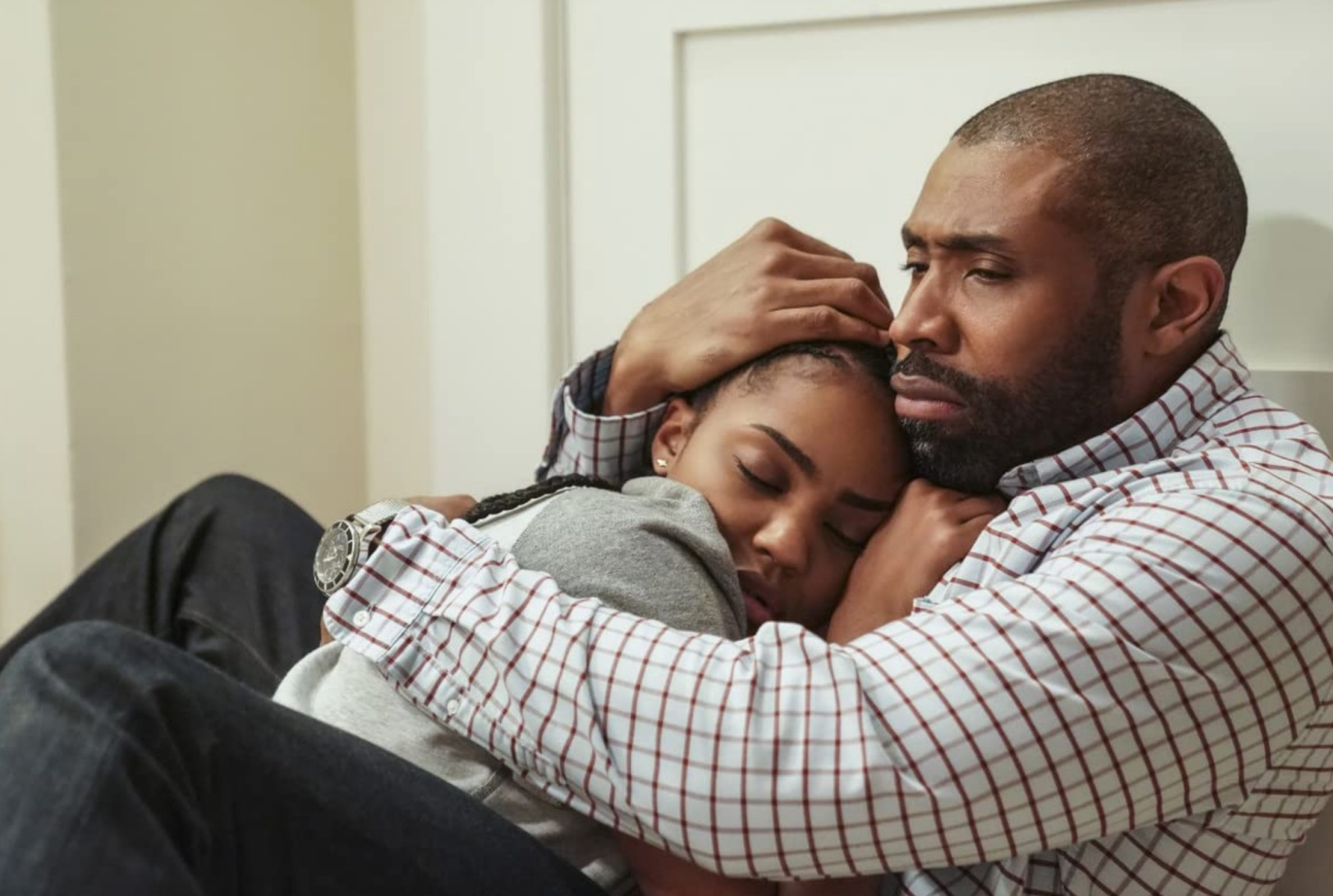 Cress Williams and China Anne McClain in Black Lightning (2017)