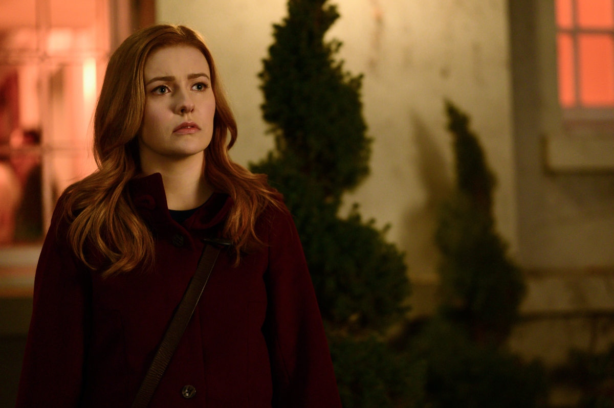 """Nancy Drew -- """"The Girl In The Locket"""" -- Image Number: NCD117a_0321b.jpg -- Pictured: Kennedy McMann as Nancy -- Photo: Kailey Schwerman/The CW -- © 2020 The CW Network, LLC. All Rights Reserved."""