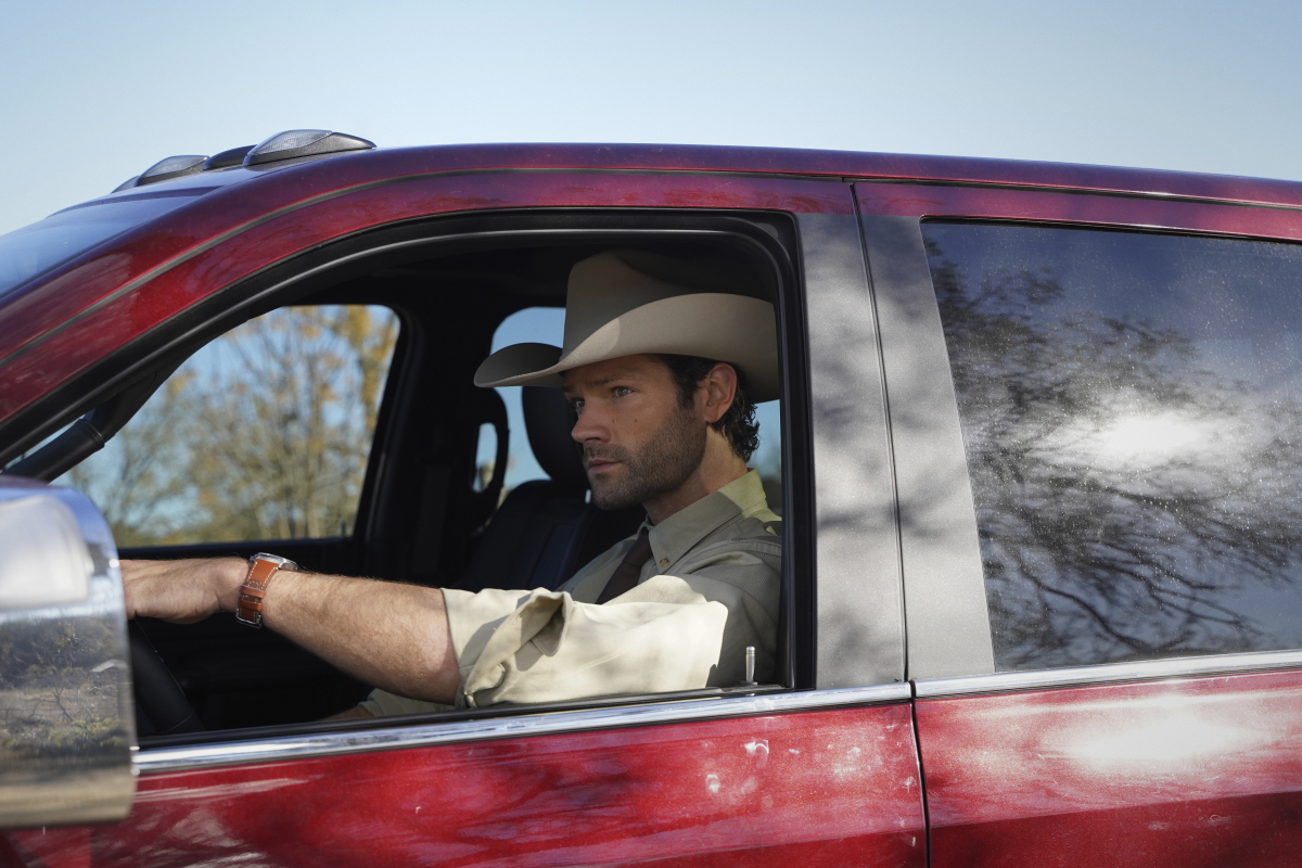 """Walker -- """"Pilot"""" -- Image Number: WLK101g_0154r -- Pictured: Jared Padalecki as Cordell Walker -- Photo: Rebecca Brenneman/The CW -- © 2021 The CW Network, LLC. All Rights Reserved."""