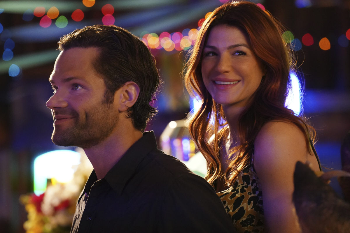 """Walker -- """"Bar None"""" -- Image Number: WLK106b_0395r -- Pictured (L-R): Jared Padalecki as Cordell Walker and Genevieve Padalecki as Emily Walker -- Photo: Rebecca Brenneman/The CW -- © 2021 The CW Network, LLC. All Rights Reserved."""