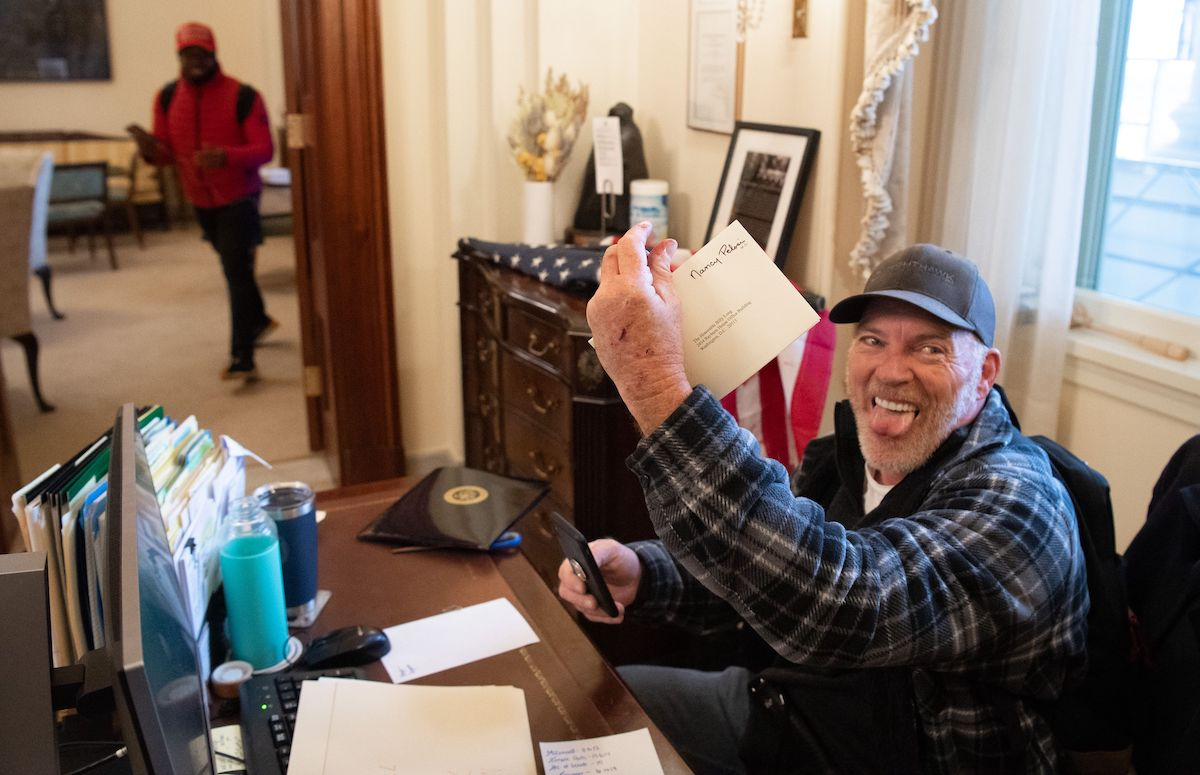 Capitol Rioter Has an, uh, Interesting Explanation for Note He Left in Nancy Pelosi's Office