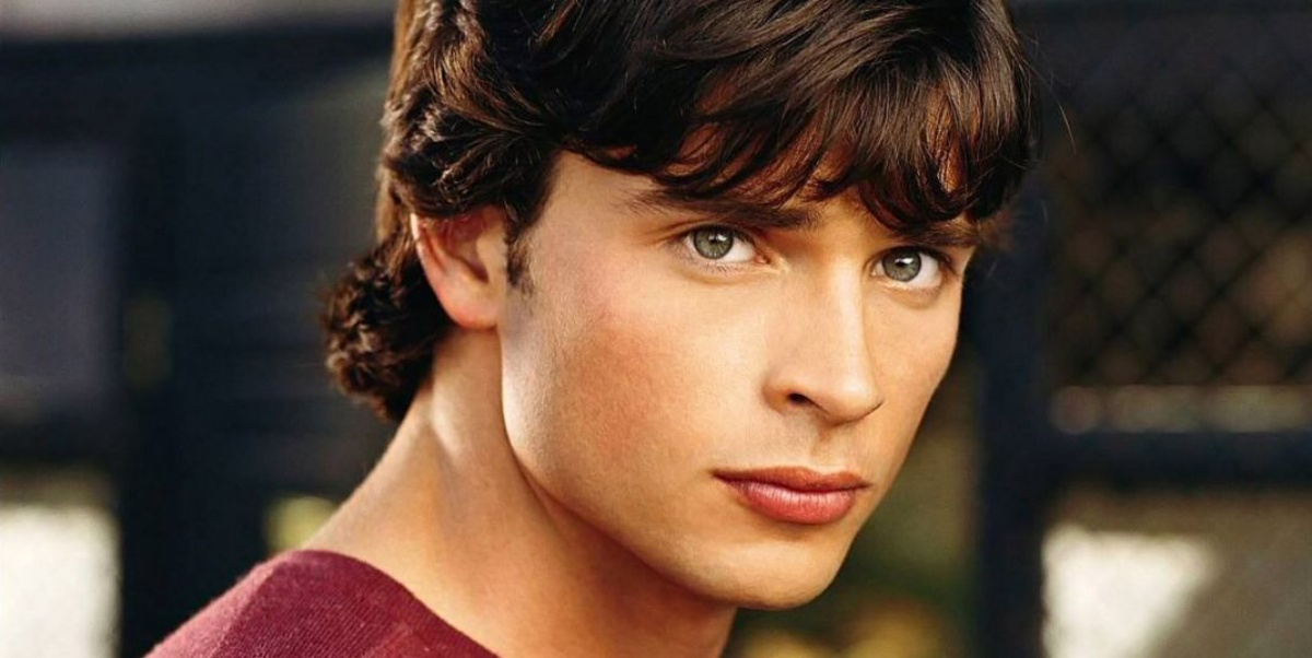 Tom Welling as Superman in Smallville returning