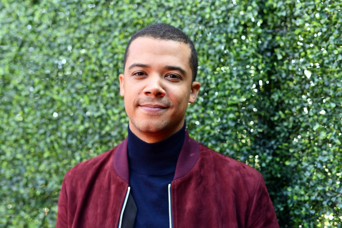 SANTA MONICA, CALIFORNIA - JUNE 15: Jacob Anderson attends the 2019 MTV Movie and TV Awards at Barker Hangar on June 15, 2019 in Santa Monica, California. (Photo by Emma McIntyre/Getty Images for MTV)