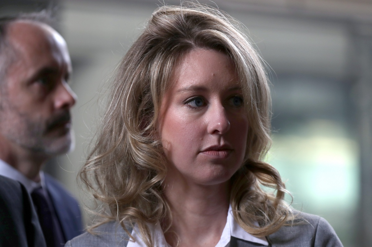 SAN JOSE, CALIFORNIA - JUNE 28: Former Theranos founder and CEO Elizabeth Holmes arrives at the Robert F. Peckham U.S. Federal Court on June 28, 2019 in San Jose, California. Former Theranos CEO Elizabeth Holmes and former COO Ramesh Balwani appeared in federal court for a status hearing. Both are facing charges of conspiracy and wire fraud for allegedly engaging in a multimillion-dollar scheme to defraud investors with the Theranos blood testing lab services. (Photo by Justin Sullivan/Getty Images)